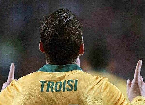 James Troisi con la maglia della nazionale australiana numero 14 - Sputnik Italia