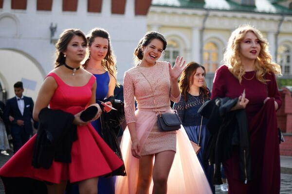I maturandi delle scuole di Mosca. - Sputnik Italia