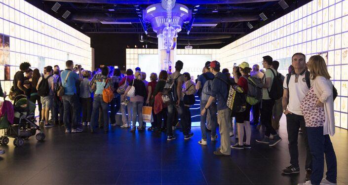 Expo 2015, visitatori all'interno del padiglione russo