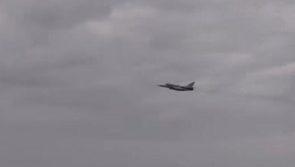 Caccia russo passa sopra un cacciatorpediniere statunitense - Sputnik Italia
