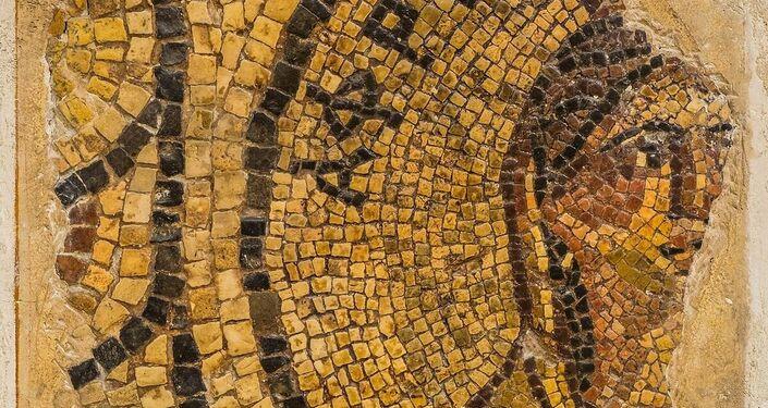 Lacerto con personificazione dellǯAfrica Seconda metà II secolo d.C.