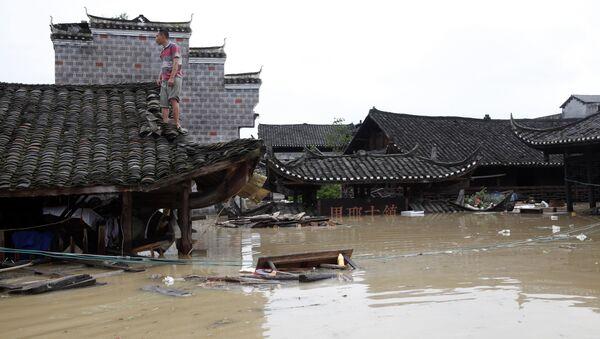 Alluvione in un villaggio in Cina - Sputnik Italia