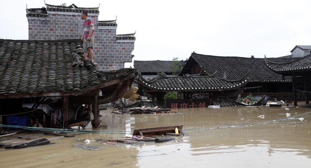Alluvione in un villaggio in Cina