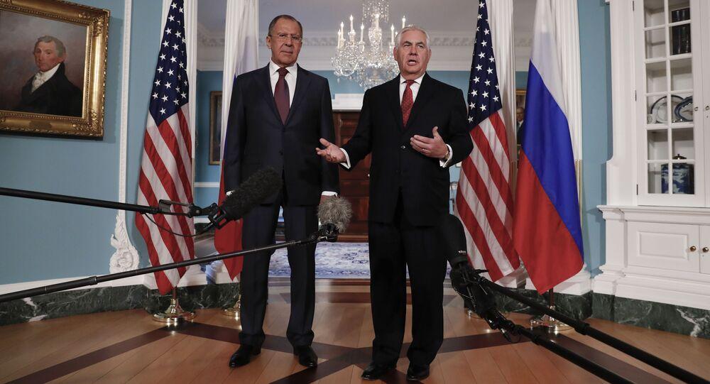 Sergei Lavrov e Rex Tillerson a Washington