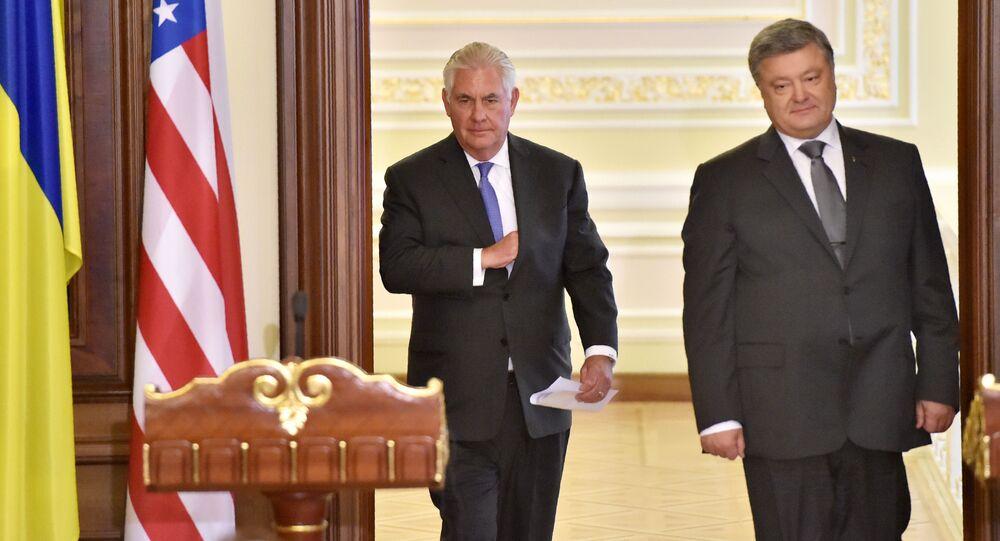 Segretario di Stato americano Rex Tillerson e presidente ucraino Petr Poroshenko