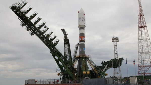 Soyuz-2.1a rocket being moved to a launch pad at the Baikonur Cosmodrome - Sputnik Italia