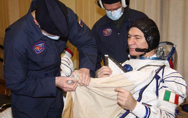 Nespoli durante l'addestramento a Baykonur - Sputnik Italia
