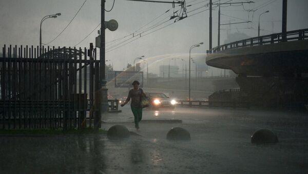 Pioggia a Mosca - Sputnik Italia