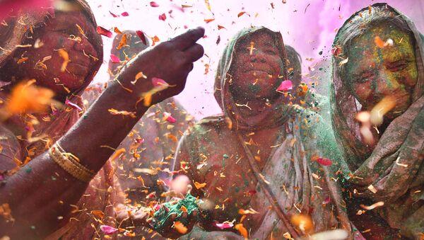 Vedove alla Festa dei Colori di Shashi Shekhar Kashyap (India) - Sputnik Italia