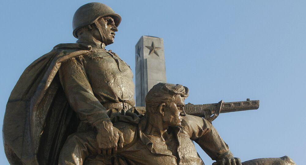Monumento sovietico in Polonia