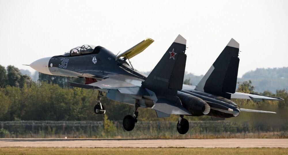 Il caccia Sukhoi Su-30SM