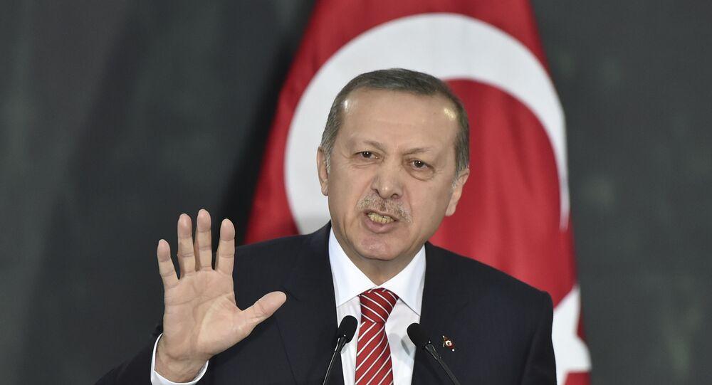 Erdogan (foto d'archivio)