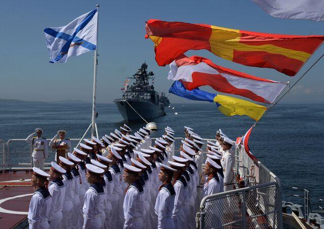 La parata del Giorno della Marina Militare russa