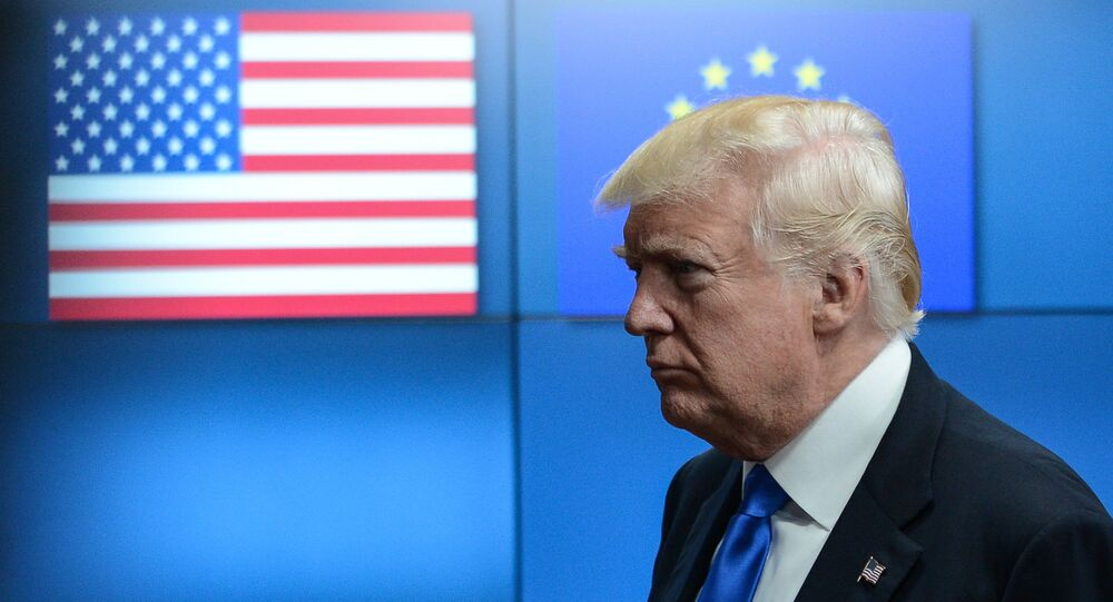 Donald Trump incontra i leader dell'UE a Bruxelles.