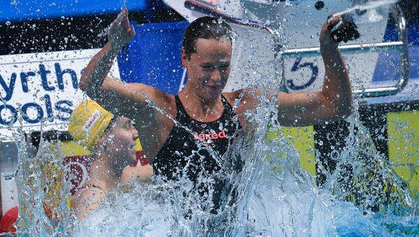 L'esultanza di Federica Pellegrini dopo la vittoria nei 200sl ai Mondiali di nuoto di Budapest - Sputnik Italia