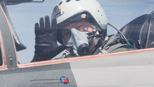 Петр Порошенко совершил полет на истребителе МИГ-29 - Sputnik Italia