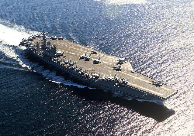 Portaerei americana USS Nimitz (foto d'archivio)