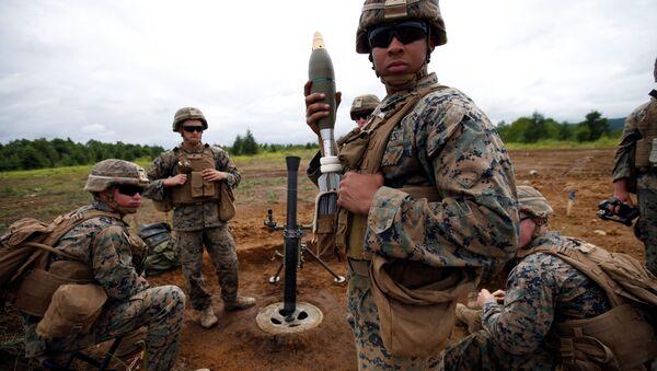 Морские пехотинцы армии США во время военных учений с Японией на острове Хоккайдо  - Sputnik Italia