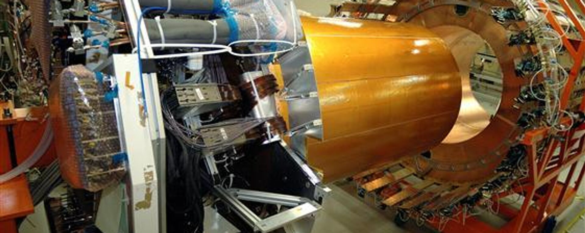 Acceleratore Large Hadron Collider - Sputnik Italia, 1920, 08.04.2021