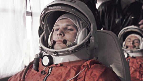 Yuri Gagarin e German Titov prima del lancio da Baikonur - Sputnik Italia