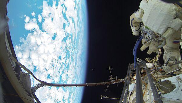 Uscita nello spazio - Sputnik Italia