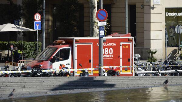 Minibus si schianta su folla nel centro di Barcellona - Sputnik Italia