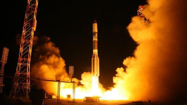 """Razzo vettore """"Proton-M"""" porta in orbita satellite militare russo - Sputnik Italia"""
