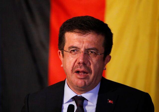 Il ministro turco dell'Economia Nihat Zeybekci