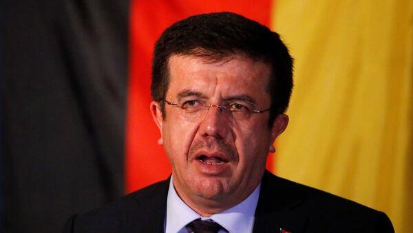 Il ministro turco dell'Economia Nihat Zeybekci - Sputnik Italia