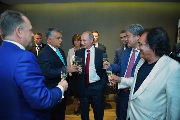 Il primo ministro ungherese Viktor Orban e il presidente russo Vladimir Putin visti dopo l'apertura del 31° campionato mondiale di judo a Budapest. - Sputnik Italia