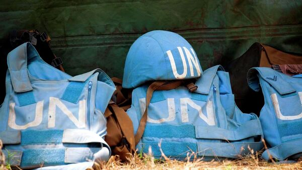 Elmetti delle forze di pace ONU - Sputnik Italia