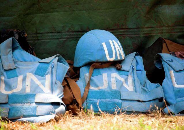 Elmetti delle forze di pace ONU