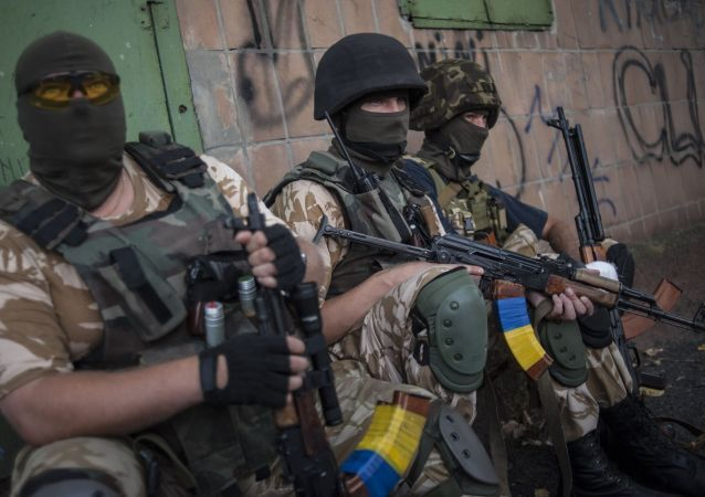 Paramilitari ucraini nel Donbass (foto d'archivio)
