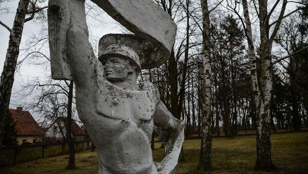 Monumento sovietico in Polonia (foto d'archivio) - Sputnik Italia