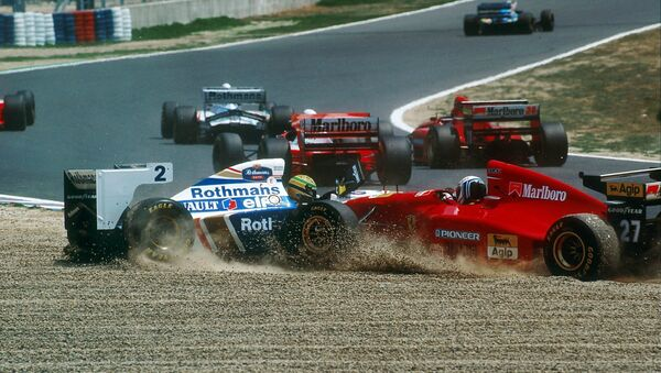 Un incidente tra Ayrton Senna ed una Ferrari - Sputnik Italia