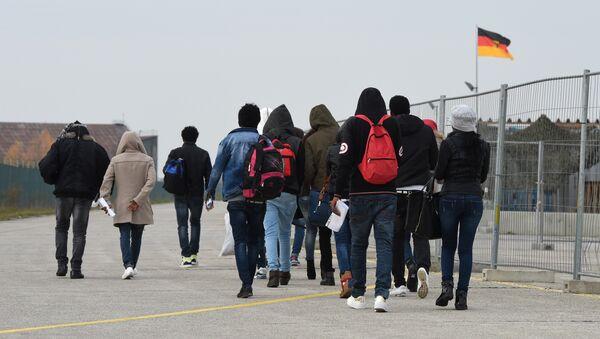 Immigrati al confine della Germania - Sputnik Italia