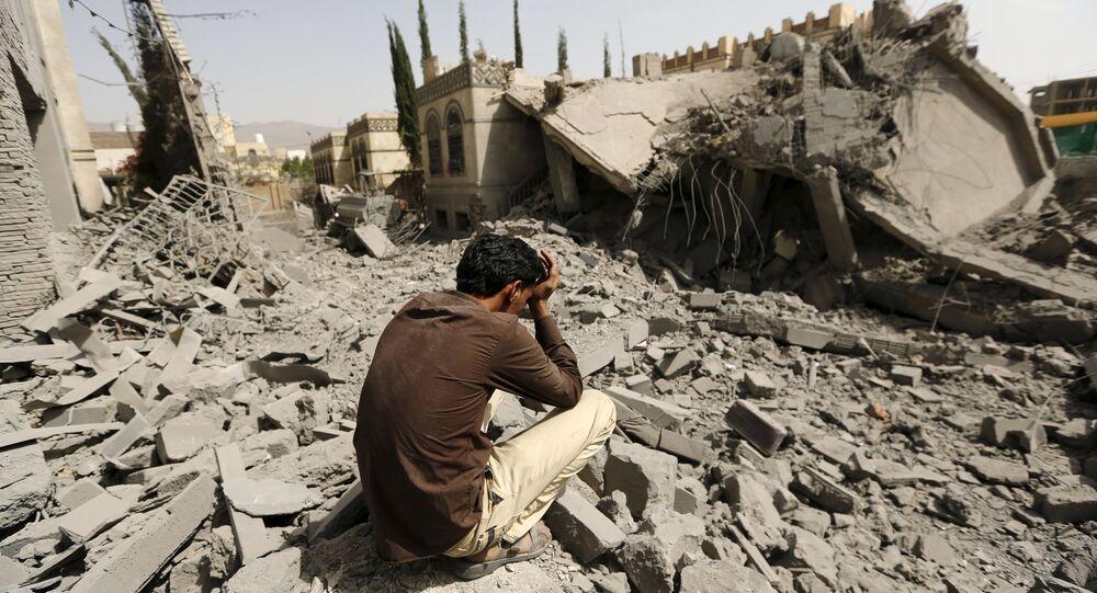 Distruzione nella capitale dello Yemen Sana'a