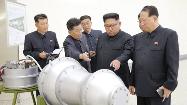 DPRK state-run media outlet KCNA September 3, 2017, handout purporting to show Pyongyang leader Kim Jong-un viewing newly developed miniaturized hydrogen bomb capable of being mounted on ICBM. // KCNA handout - Sputnik Italia