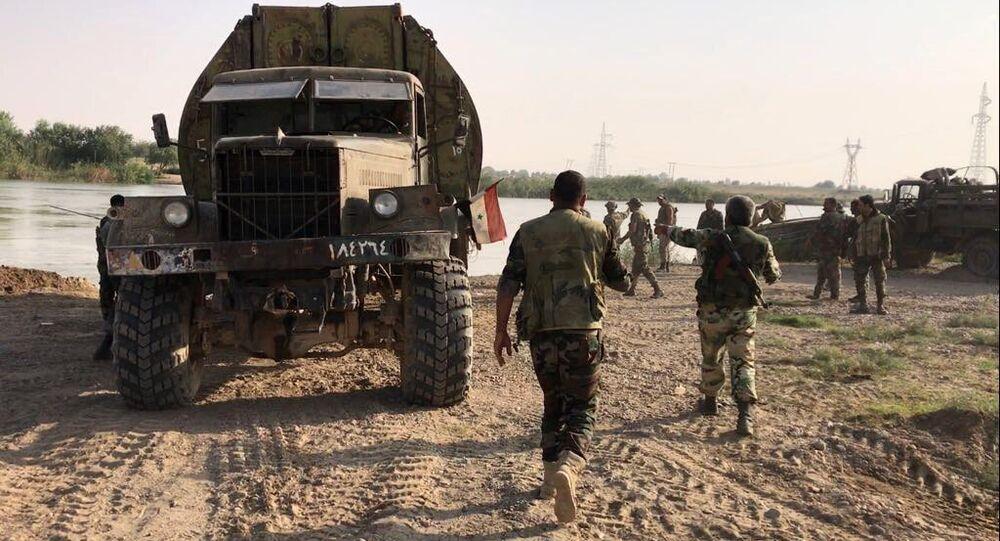 Syrian army forced the Euphrates River near Deir ez-Zor