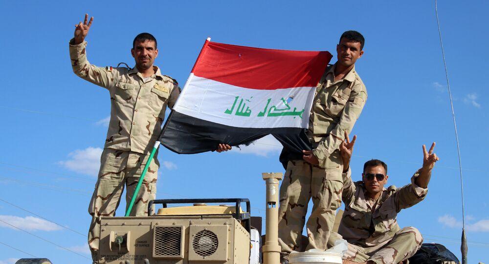 Soldati iracheni nella provincia di Anbar, vicino il confine siriano
