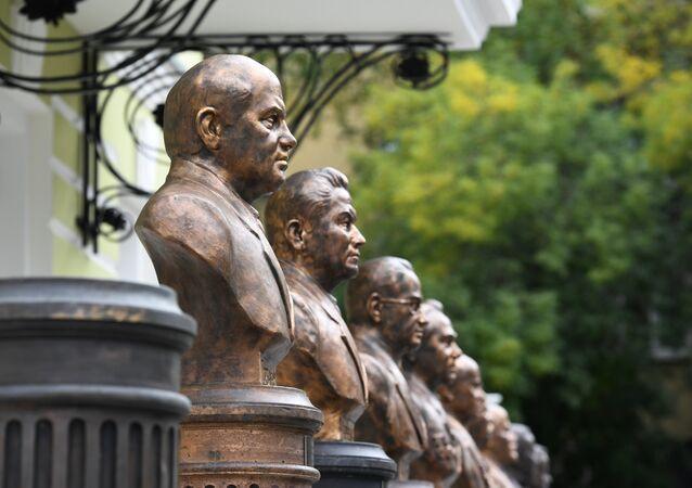 inaugurato viale governatori dell'Unione Sovietica