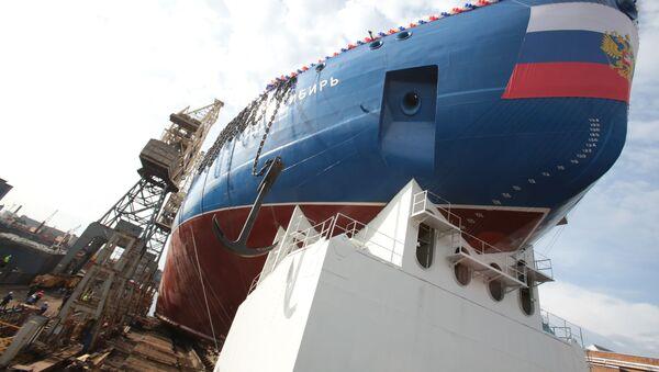 La cerimonia del varo dello scafo della rompighiaccio universale atomica LK-60YA Sibir' nei cantieri navali Baltici di San Pietroburgo. - Sputnik Italia