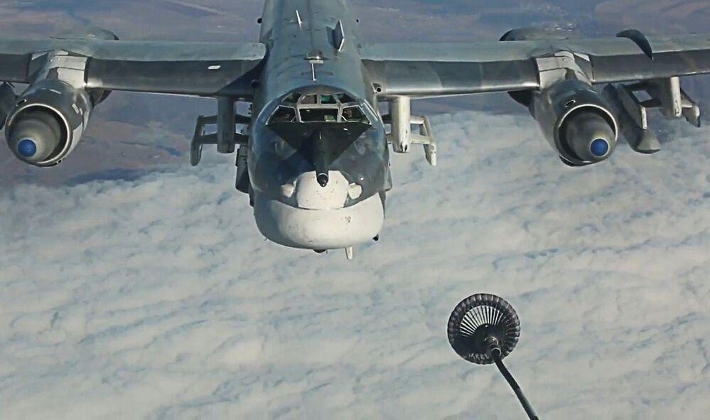 Il riforimento del bombardiere strategico russo Tu-95MS.