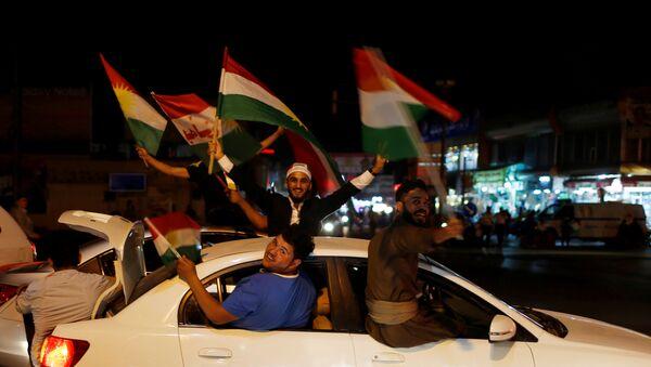 Curdi mostrano il loro appoggio al referendum per l'indipendenza a Erbil, Iraq. - Sputnik Italia