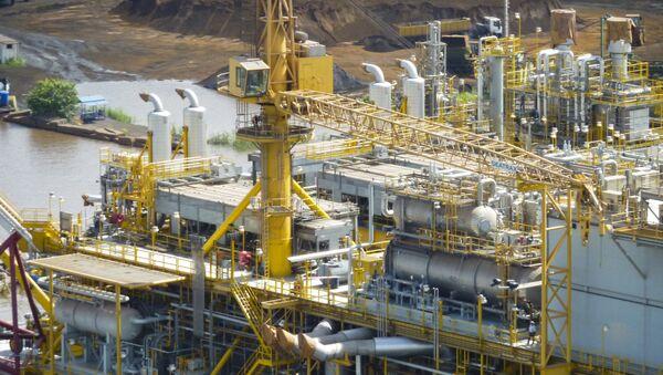 Una plataforma petrolífera de PDVSA en la Faja del Orinoco - Sputnik Italia