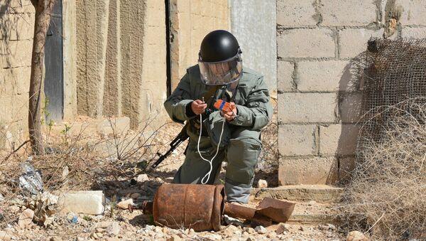 Russian engineers conduct mine clearance operation in Palmyra - Sputnik Italia