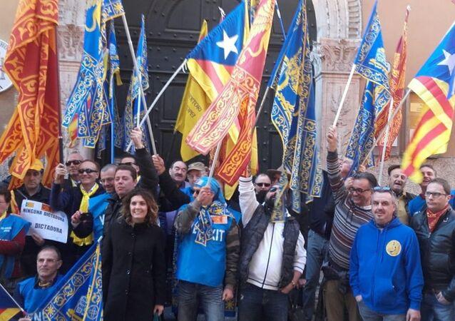 Manifestazione davanti al Consolato spagnolo a Verona.