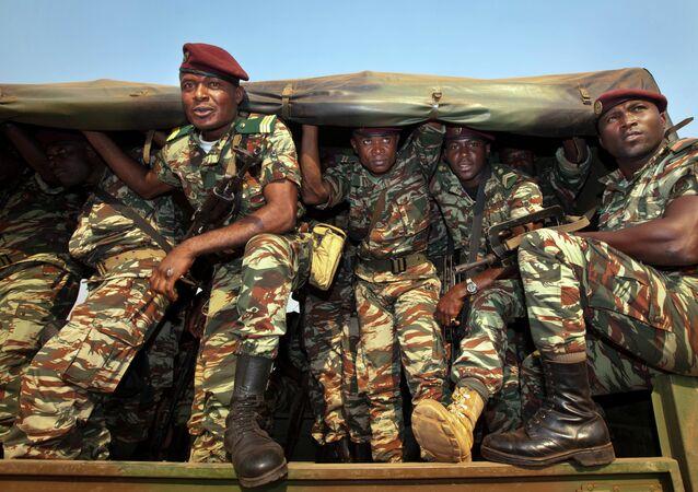 Soldati di Camerun