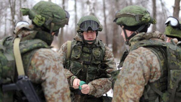 Militari russi con equipaggiamenti Ratnik - Sputnik Italia