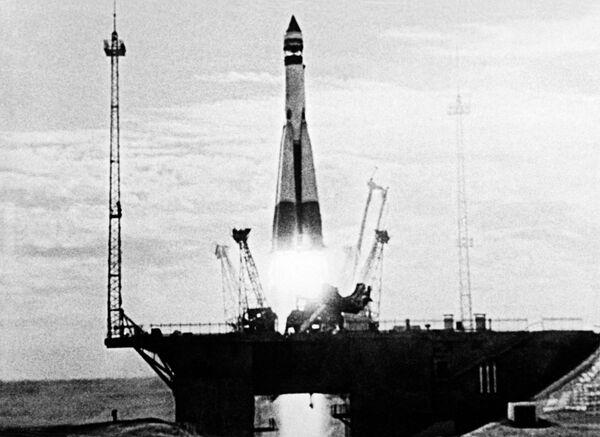 Il lancio del primo satellite artificiale sovietico della Terra. - Sputnik Italia